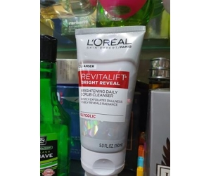Sữa rửa mặt L'OREAL Revitalift Bright Reveal 150ml